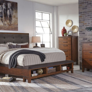 Ralene - 8 Pc. - Dresser, Mirror, Chest, Queen UPH Panel Bed & 2 Nightstands