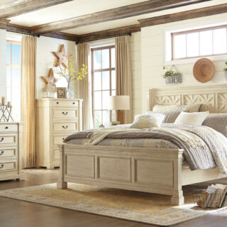 Bolanburg - Antique White - 8 Pc. - Dresser, Mirror, Chest, Queen Panel Bed & 2 Nightstands