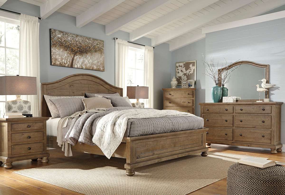 Trishley - Light Brown - 8 Pc. - Dresser, Mirror, Chest, Queen Panel Bed & 2 Nightstands
